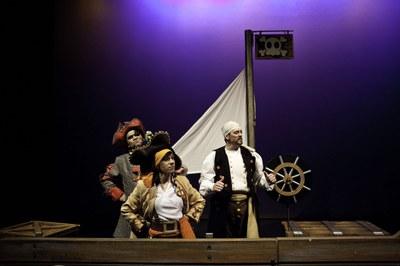 'PI-RA-TAS ¡Alerta basura, salvemos el mar!', Cía. Bambalúa Teatro