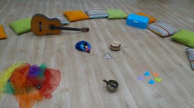 Mis primeras notas. Música para bebés y progenitores.