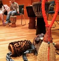 Tambores que hablan. Un viaje para descubrir los sonidos de África.