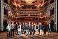 El Ayuntamiento organiza en el mes de abril un ciclo especial de flamenco con los premios Giraldillo de la Bienal con el Teatro Lope de Vega como sede principal