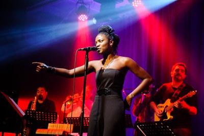 'Veraneo en la City' lleva a Fibes la fusión de jazz, flamenco y funk de 'Patáx'