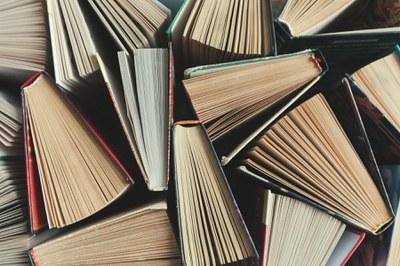 Los 'Diálogos generacionales' de La Casa de los Poetas y las Letras del ICAS reflexionan en torno a la crítica literaria, y la tradición y vanguardia en la música popular