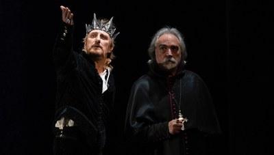 Eduardo II. Ojos de niebla retrata en el Teatro Lope de Vega la realidad de las altas esferas británicas del siglo XIV