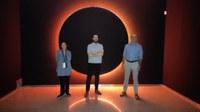 El artista sevillano Cachito Vallés muestra su particular visión del universo en la Sala Atín Aya