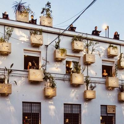 El proyecto 'Jardines en el aire', promovido por el ICAS a través de Luces de Barrio, recibe el premio de la Nueva Bauhaus Europea que concede la Comisión Europea