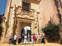 El Real Alcázar inicia el próximo martes sus visitas guiadas gratuitas para nacidos o empadronados en la ciudad, con entrada por la Puerta de la Alcoba y que ya se pueden reservar en su web oficial