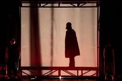 Juan Carlos Rubio presenta en el Teatro Lope de Vega su versión de la fábula Seda, de Alessandro Baricco