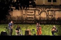 Más de 1.500 personas asisten a los cinco primeros conciertos del ciclo 'Noches en los Jardines del Real Alcázar de Sevilla', que esta semana inicia su particular homenaje a Alfonso X el Sabio