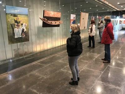La Sala Antiquarium muestra un retrato plástico de Triana con una exposición colectiva de artistas contemporáneos