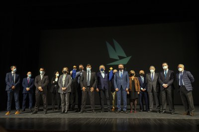 Sevilla participará en la celebración del 150 aniversario del nacimiento de los hermanos Álvarez Quintero promovida por el Ayuntamiento de Utrera