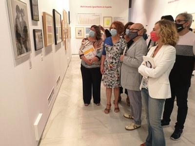 El Ayuntamiento organiza en el Espacio Santa Clara la mayor muestra de temática gay, lésbica y trans celebrada en Andalucía